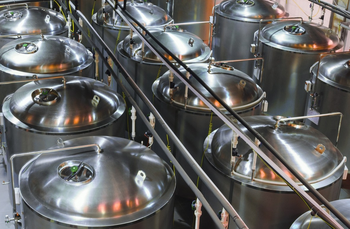 Metal tanks for the fermentation of beer