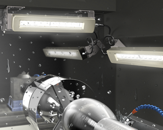 Heavy-Duty Machine Lights in CNC Washdown Environment